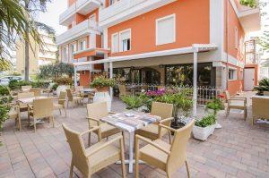 Esterno B&B Hotel Edelweiss Pinarella di Cervia